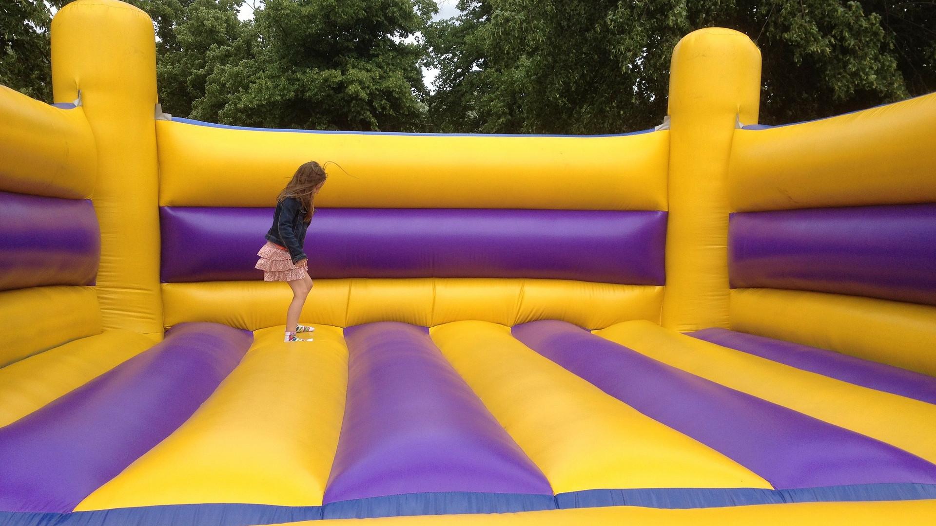 un château gonflable pour enfants